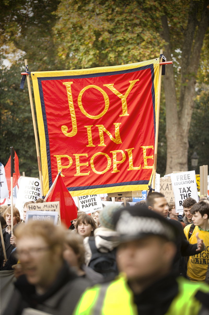8-deller-joy-in-people-banner
